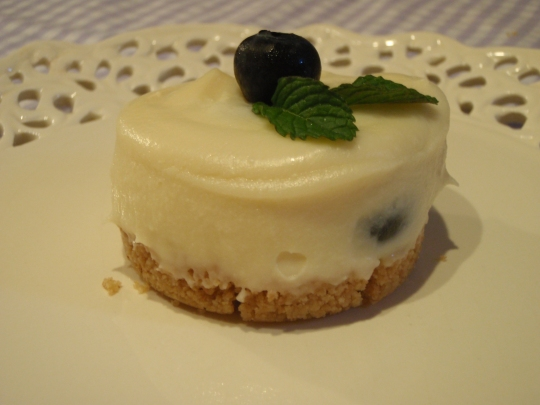 Mini Cheesecake al cioccolato bianco e mirtilli